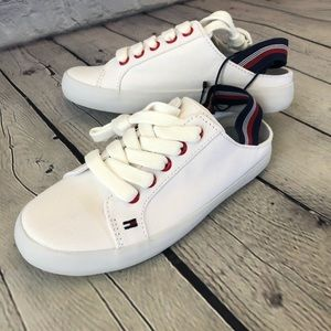 New🎉 Tommy Hilfiger Girls White shoes
